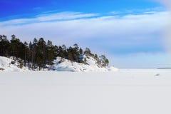 Île de mer pendant l'hiver Photos stock