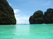 Île de phi de phi de Ko de baie de Maya - Thaïlande Photos libres de droits