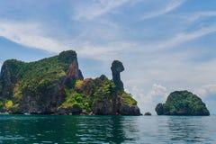 Île de poulet en mer d'Andaman, Krabi, Thaïlande Photo libre de droits