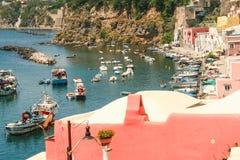 Île de Procida, port de Corricella Photo libre de droits