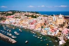 Île de Procida, port de Corricella Photo stock