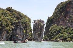 Île de roche de Tapu à la baie de Phang Nga près de Krabi et de Phuket (James Bond Island) Photos stock