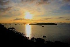Île de Sichang dans un matin images libres de droits
