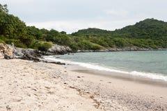 Île de Sichang près de Sriracha (Chonburi, Thaïlande) Photo libre de droits