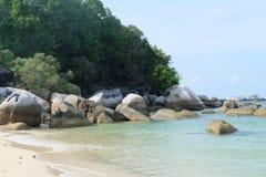 ?le de terre de merveille avec la belle plage photo libre de droits