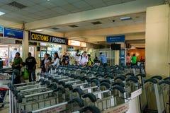 ÎLE DE ZANZIBAR, TANZANIE - VERS EN JANVIER 2015 : intérieur d'aéroport de Zanzibar Photographie stock libre de droits