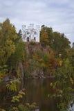 Île des morts et la chapelle de Ludwigstein dans Monrepos Images stock