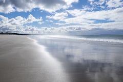 Île du nord Nouvelle-Zélande de la terre du nord de plage de Pakiri Image libre de droits