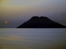Île en dehors de la côte ouest de la Sicile, Italie Photographie stock