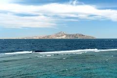 Île en mer Photos libres de droits