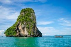 Île en mer Images libres de droits