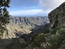 Île jaune canari d'été de montagnes de vue images libres de droits
