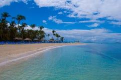 Île lointaine en mer carribean Photographie stock libre de droits