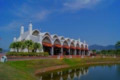 Île Malaisie de Langkawi de mosquée de port Photo stock