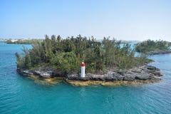 Île minuscule outre de la côte de Hamilton Bermuda photo stock