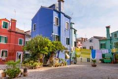 Île multicolore de Burano de maisons, Venise Image stock