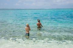 Île naviguante au schnorchel de mystère Photo libre de droits