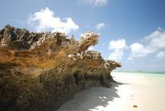 Île rocheuse dans le compartiment de Sakalava, Madagascar image libre de droits