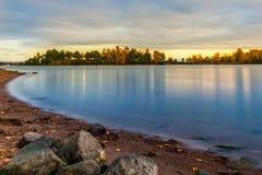 Île sereine de plage de coucher du soleil Photo libre de droits