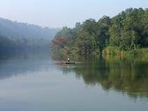 Île Sri Lanka, début de la matinée sur le fleuve Photographie stock libre de droits