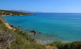 Île vue de Crète, mer d'été de la montagne, Grèce photo stock