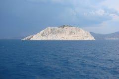 Îles de la région du sud de la Grèce Poros, hydre, Aegina 06 15 2014 Le paysage des îles grecques de l'été chaud Images stock