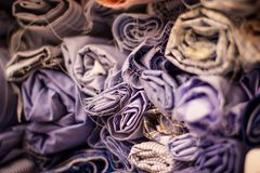 Ρόλοι ραφτών για την κλασική λεπτομέρεια πουκάμισων στοκ εικόνα