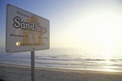 �Welcome to San Diego� sign along the Pacific Ocean, San Diego, California Stock Photography
