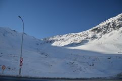 Όμορφα χιονώδη βουνά της Κρήτης Bataillence σε Aragnouet Φύση, ταξίδι, τοπία 29 Δεκεμβρίου 2014 Aragnouet, μεσημβρία στοκ φωτογραφίες