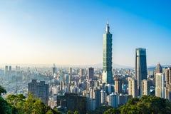 Όμορφες τοπίο και εικονική παράσταση πόλης του Ταιπέι 101 κτήριο και αρχιτεκτονική στην πόλη στοκ εικόνες