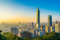 Όμορφες τοπίο και εικονική παράσταση πόλης του Ταιπέι 101 κτήριο και αρχιτεκτονική στην πόλη στοκ εικόνα