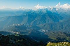 Όμορφη άποψη των βουνών Καύκασου στοκ φωτογραφίες με δικαίωμα ελεύθερης χρήσης