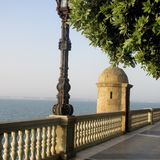 Σεβίλη, πάρκο Genoves, περίπατος της Ισπανίας από το νερό στοκ φωτογραφίες