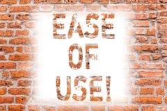 Σημάδι κειμένων που παρουσιάζει ευκολία - - χρήση Εννοιολογικός φιλικός προς το χρήστη εύκολος φωτογραφιών να λειτουργήσει την απ στοκ φωτογραφία με δικαίωμα ελεύθερης χρήσης