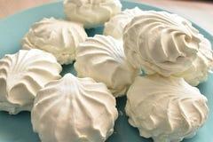 Σοβιετικό marshmallow σε ένα πράσινο πιάτο στοκ εικόνες