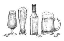 Σύνολο απομονωμένων γυαλιών και μπουκαλιού μπύρας ελεύθερη απεικόνιση δικαιώματος