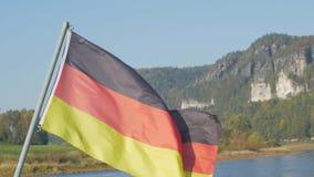 Στενός επάνω σημαιών της Γερμανίας απόθεμα βίντεο