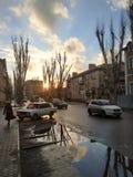 Στην οδό Sloviansk Νεφελώδης καιρός στοκ εικόνες με δικαίωμα ελεύθερης χρήσης