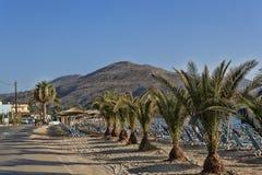 Στην παραλία των ξημερωμάτων Georgioupolis στοκ εικόνες