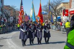 Στρατιωτικός Μάρτιος στην παρέλαση Βοστώνη, ΗΠΑ ημέρας Αγίου Πάτρικ στοκ εικόνες