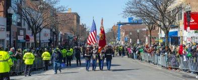 Στρατιωτικός Μάρτιος στην παρέλαση Βοστώνη, ΗΠΑ ημέρας Αγίου Πάτρικ στοκ φωτογραφία με δικαίωμα ελεύθερης χρήσης