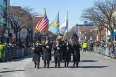 Στρατιωτικός Μάρτιος στην παρέλαση Βοστώνη, ΗΠΑ ημέρας Αγίου Πάτρικ στοκ εικόνα