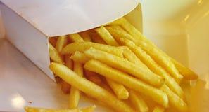 ψαλιδίζοντας απομονωμένο εικόνα μονοπάτι τηγανιτών πατατών στοκ εικόνα