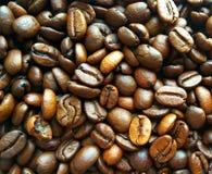 Ψημένο καφετί υπόβαθρο σύστασης φασολιών καφέ στοκ φωτογραφία με δικαίωμα ελεύθερης χρήσης