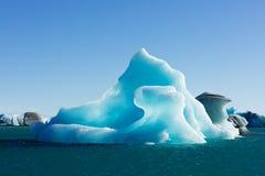 Τα μπλε παγόβουνα σε Jokulsarlon Ισλανδία ΕΙΝΑΙ Ευρώπη στοκ εικόνες