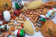 Του Αζερμπαϊτζάν baklava γλυκύτητας σε σπιτικό για τις διακοπές Novruz Μαύρες σταφίδες, άσπρες σταφίδες Shekerbura αναπτυγμένος S στοκ φωτογραφίες