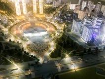 Τοπ άποψη σχετικά με το σχεδιάγραμμα παιχνιδιών της πόλης με τις κατοικημένες γειτονιές, τα φανάρια, τους δρόμους, τις εθνικές οδ στοκ εικόνα