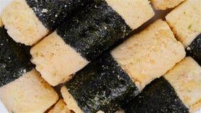 Τοπ ρόλοι αυγών άποψης pastryside ριπών ξύλων καρυδιάς άποψης με το φύκι φιλμ μικρού μήκους