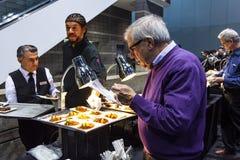 Το γεύμα σε το 2019 Σικάγο αυτόματο παρουσιάζει στοκ εικόνα