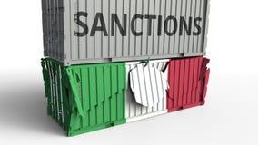 Το εμπορευματοκιβώτιο με το κείμενο ΚΥΡΩΣΕΩΝ σπάζει το εμπορευματοκιβώτιο φορτίου με τη σημαία της Ιταλίας Αποκλεισμός ή πολιτική απεικόνιση αποθεμάτων